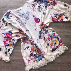 Umgee size large tassel trimmed kimono
